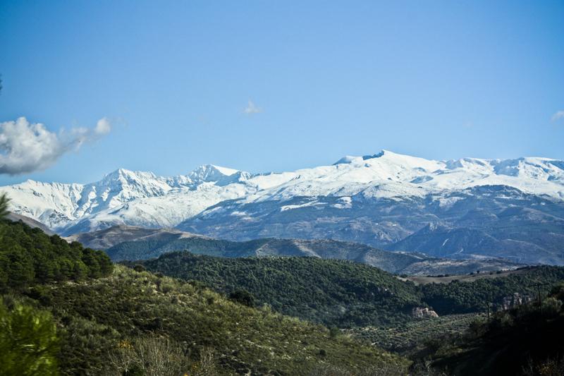 sierra nevada en hiver andalousi espagne-ski-montage