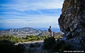 pratiquer le mountain bike dans le cap de Gata